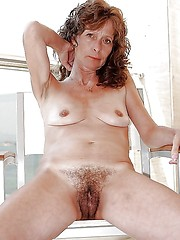 Hairy wife amateur