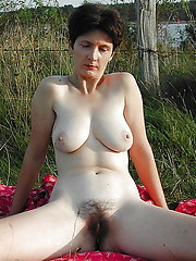 Bush-league hairy mature pussy