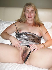 Hairy mature amateur pic