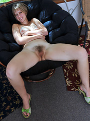 Amateur hairy mature pic